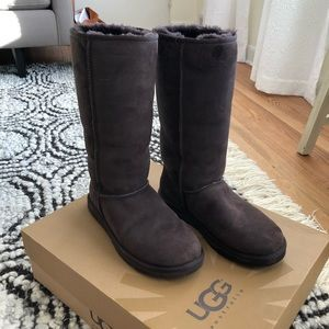Ugg Tall Boots in Chocolate - 9
